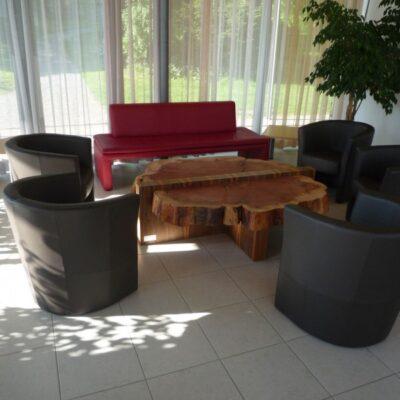 Baumstrunk-Tisch 1106