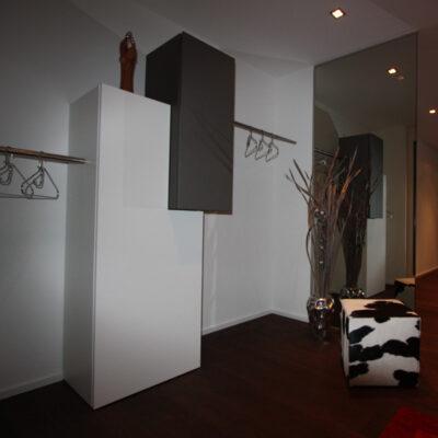 Gäste-Garderobe 1331